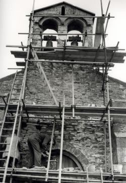 men working on a church in 1973